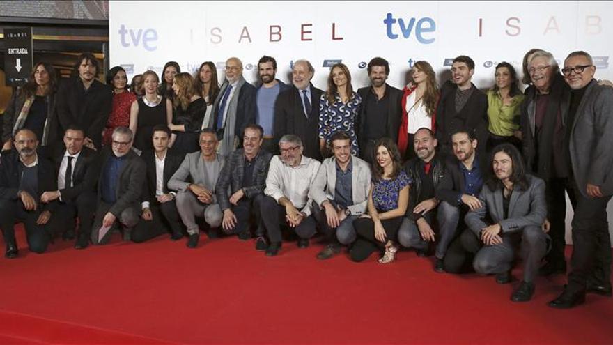 """""""Isabel"""" celebra el final de la serie con sus fans en un preestreno de cine"""
