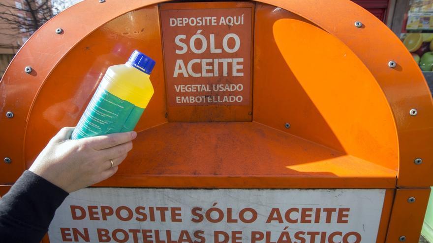 Los vecinos depositaron en 2018 cerca de 10.000 litros de aceite de cocina usado para su reciclaje