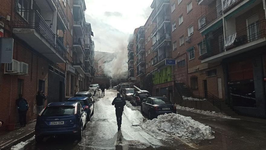 Al menos 40 personas evacuadas por el incendio que ha provocado la explosión de un transformador eléctrico en Toledo