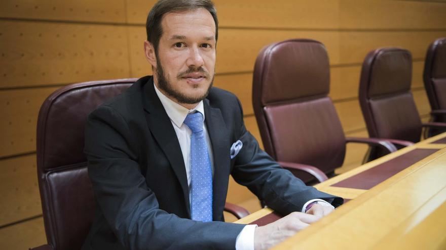 Mariano Hernández Zapata, senador por La Palma.