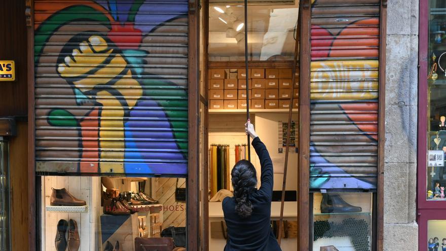 Un comercio del centro de Barcelona abre sus puertas pese a la huelga