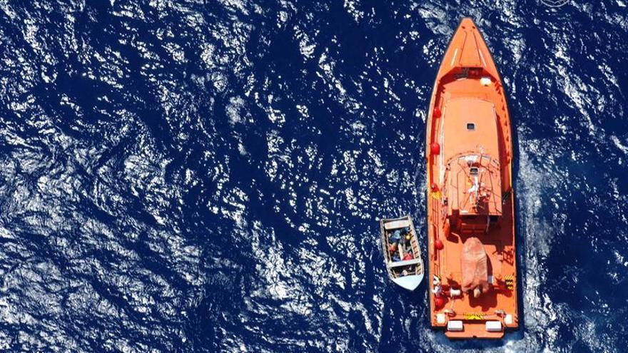 Trasladan al puerto de Cartagena una patera con 5 subsaharianos fallecidos