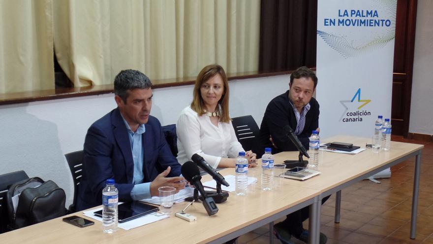 De izquierda a derecha, Narvay Quintero, Nieves Lady -Barreto y César Martín, en el  encuentro con representantes del sector primario de La Palma,