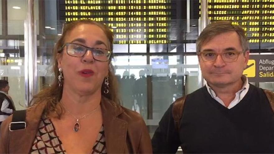 Nieves Cubas y José Revert tras ser expulsados del Sáhara