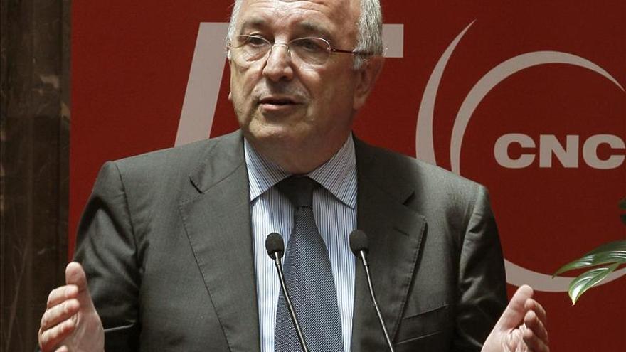 Almunia responsabiliza del expediente al naval a los gobiernos de Aznar y Zapatero