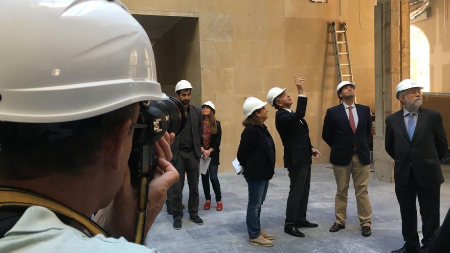 López Romo, Iglesias, De Andrés, Aguilera y Domínguez, durante la visita