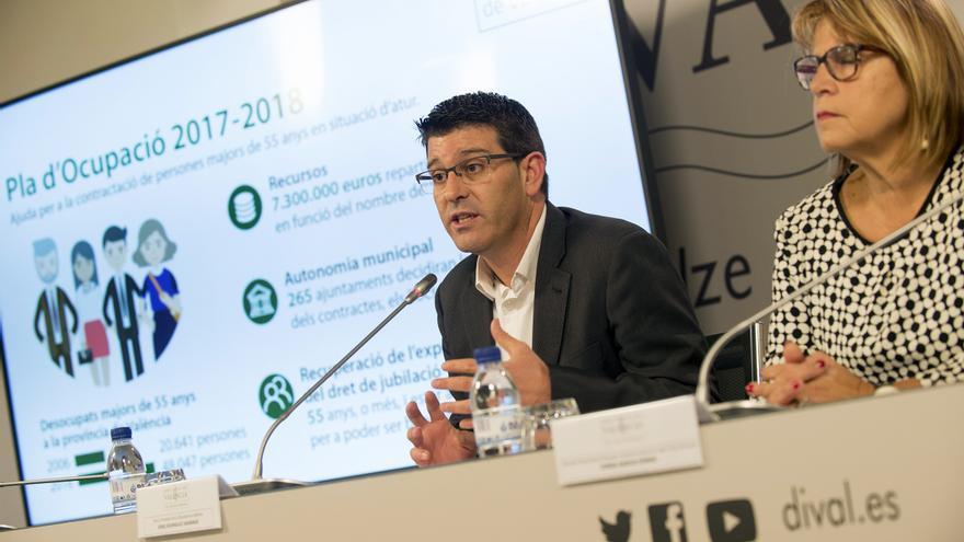 Jorge Rodríguez y Conxa Garcia han presentado el plan de empleo