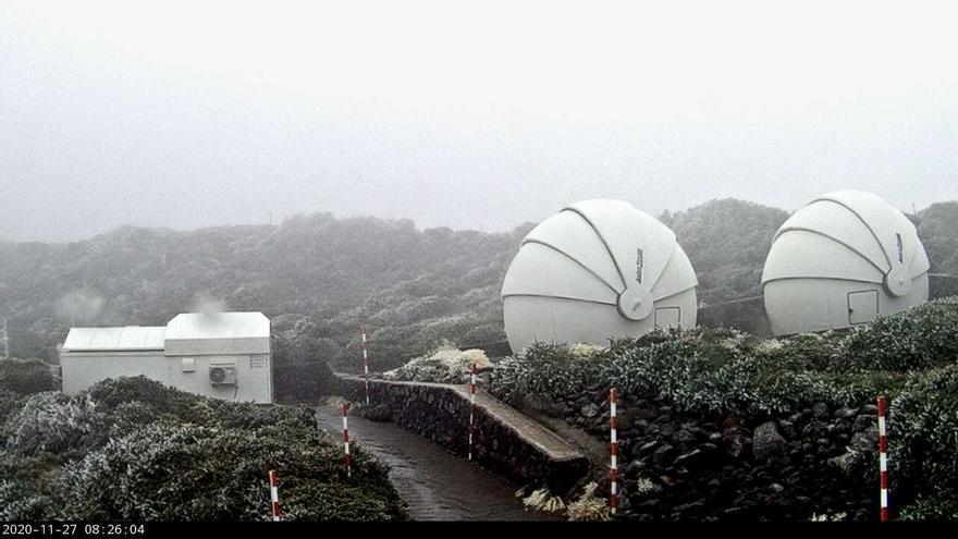 Escarcha en las cumbres de La Palma:  un grado bajo cero en el Roque