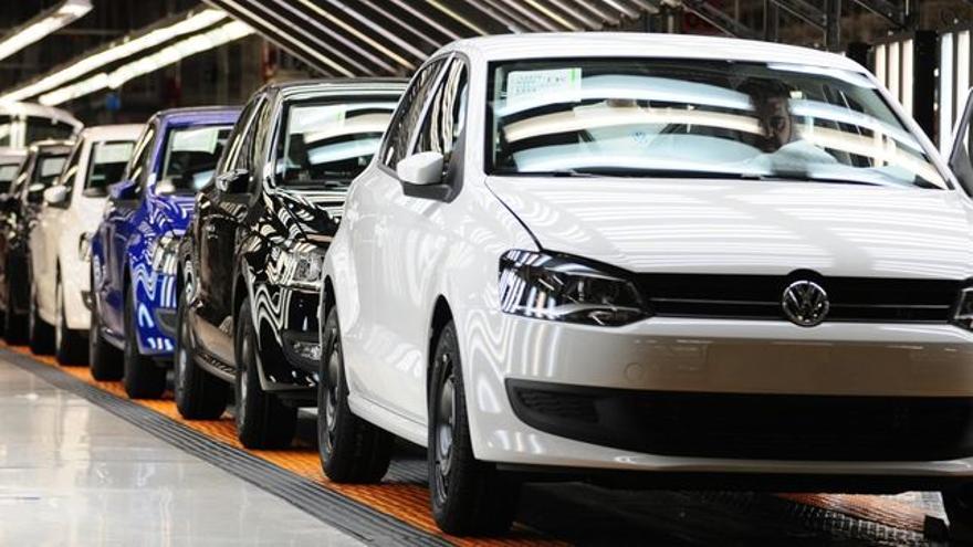 Cadena de montaje de turismos de la marca Volkswagen