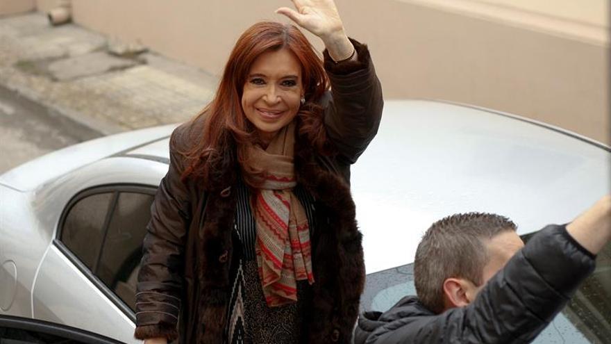 Fernández declara ante la Justicia argentina por la muerte de un hijo de Menem