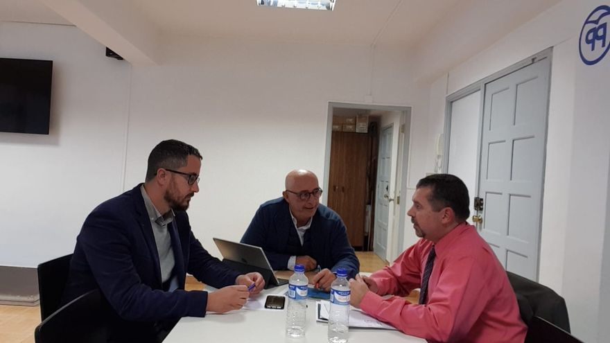 Juanjo  Cabrera ha celebrado varias reuniones con el presidente de la Autoridad Portuaria de Santa Cruz de Tenerife, Pedro Suárez,
