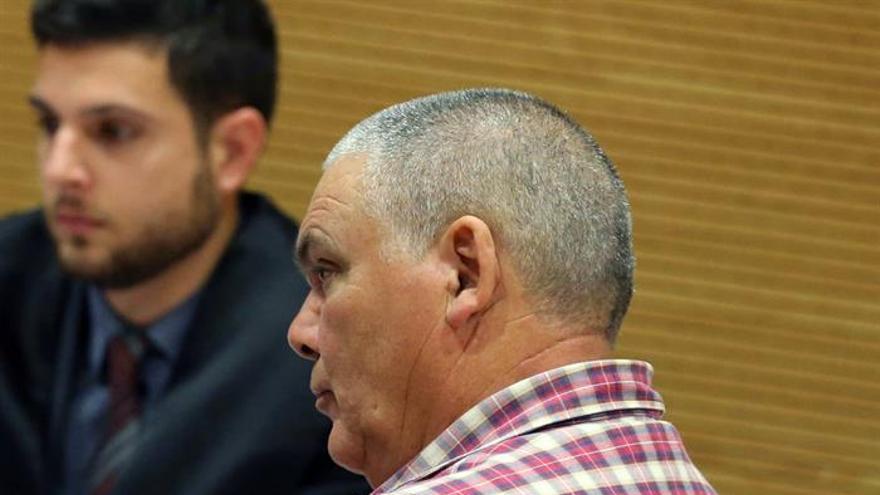 Un momento del juicio que se sigue contra Pedro Tomás S.G., guardia civil retirado, acusado de matar a un vecino de 24 años en 2011 en el barranco de El Salto del Negro.