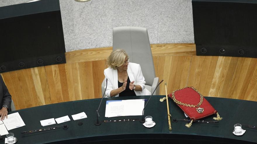 """Carmena pilotará desde una """"cultura de mujeres"""" una """"política diferente"""" escuchando a la ciudadanía en el tú a tú"""
