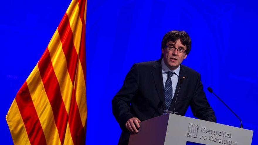 Puigdemont apela a dar un cambio a CDC para dirigirse hacia un Estado catalán