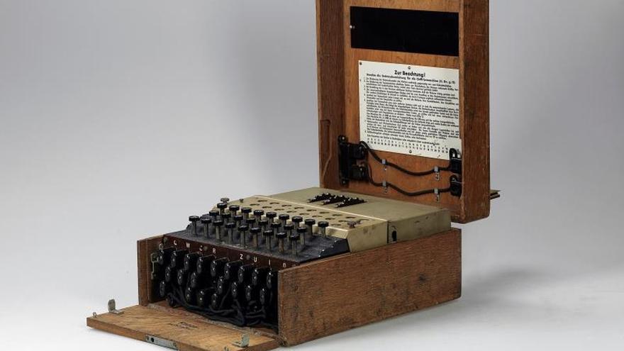 Vendida por 117.800 euros una máquina Enigma nazi para cifrar mensajes