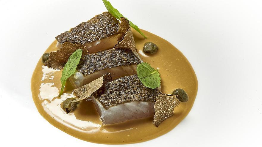 Plato de rodaballo asado en salsa de rabo de toro de 'Lú, Cocina y Alma'.