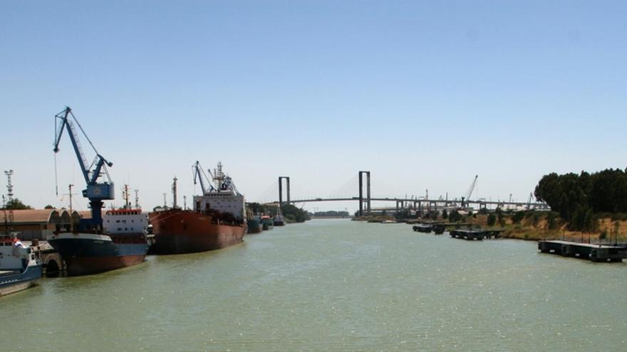 """Puerto licita el dragado de mantenimiento, por 2,3 millones, ante los """"graves trastornos"""" por las lluvias"""