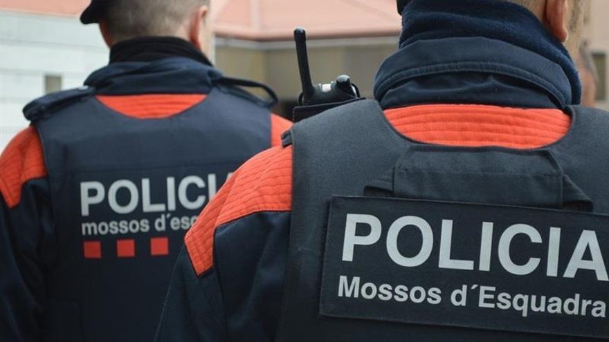 """Cs, PSC, PP y comunes quieren una comisión de investigación por el """"espionaje"""" de los Mossos"""