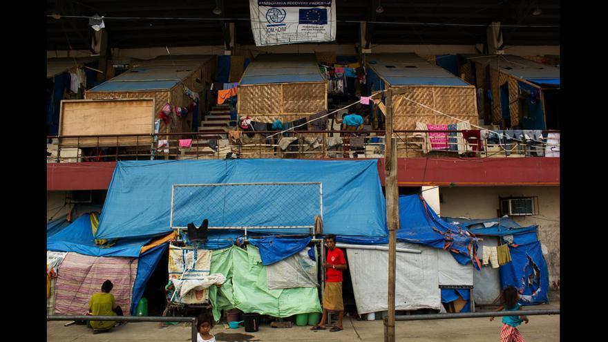 El futuro de miles de desplazados es incierto, ya que las autoridades han decretado que no se podrá volver a construir en algunas de las zonas donde muchos tenían sus casas. © Carlos Sardiña Galache.