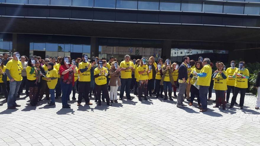Concentraciones del personal de Registro Civil en el Palacio de Justicia de Las Palmas de Gran Canaria