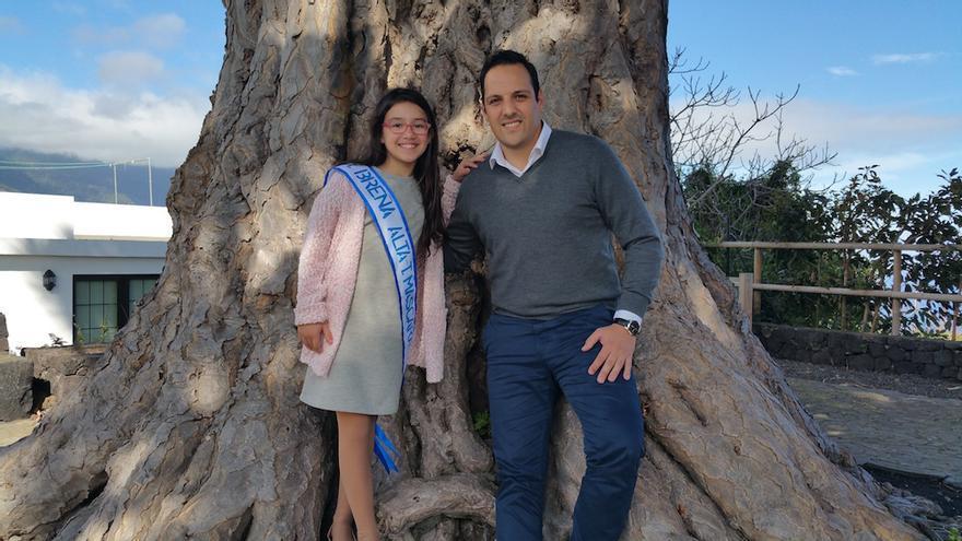Irga Concepción con el alcalde, Jonathan Felipe, en Los Dragos Gemelos.