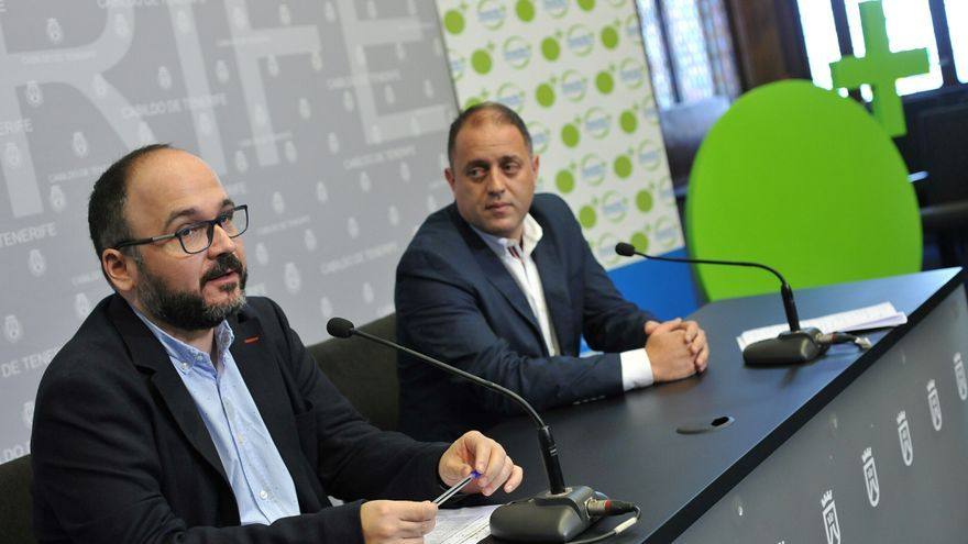 José Antonio Valbuena, a la izquierda, junto a Alejandro Molowny