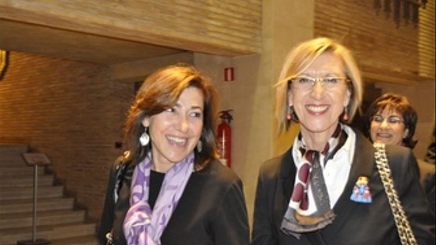 Rosa Díez Participa En Un Mitin En Zaragoza