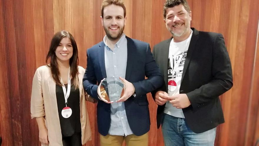 Imagen de la entrega del premio.