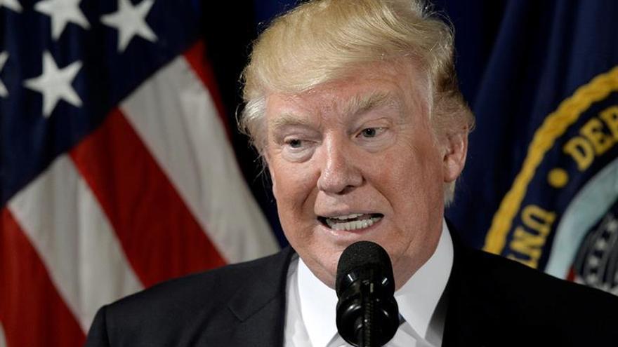 """Trump llama a Kuczynski para """"hacer frente"""" a la crisis de Venezuela"""