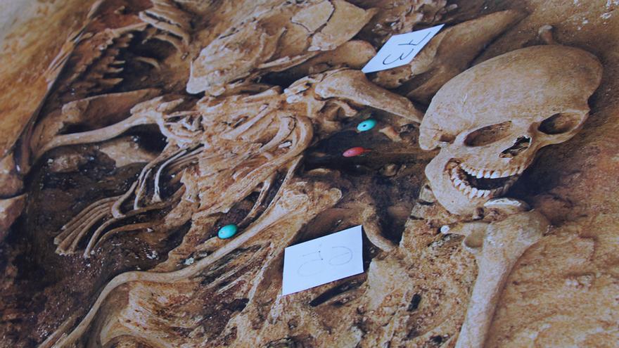 Exposición 'Exhumando fosas, recuperando dignidades'.