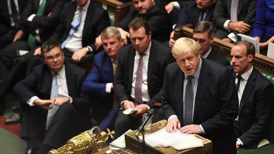 "Johnson solicita por carta la prórroga del ""brexit"" pero no la firma"