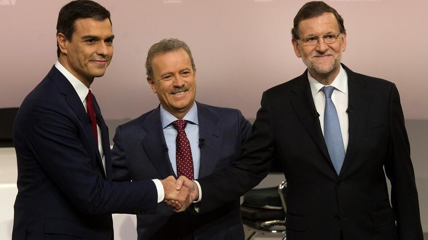 """Rajoy reprocha a Sánchez no ofrecer soluciones para Cataluña y limitarse a dar """"eslóganes"""""""