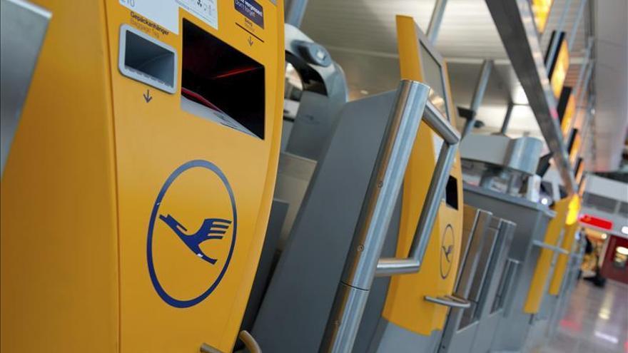 Lufthansa informa de que en el avión de Germanwings iban 150 personas
