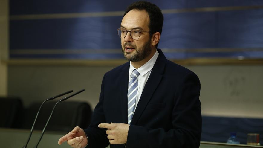 El PSOE pide a la Mesa del Congreso citar de urgencia al fiscal general por los casos de presidentes autonómicos del PP