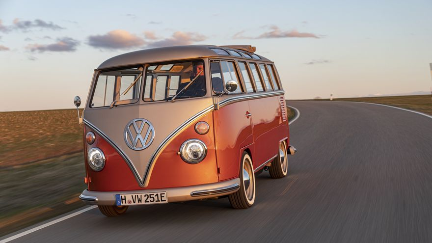 El nuevo VW e-Bulli está basado en un T1 Samba Bus producido en 1966 y restaurado a conciencia.