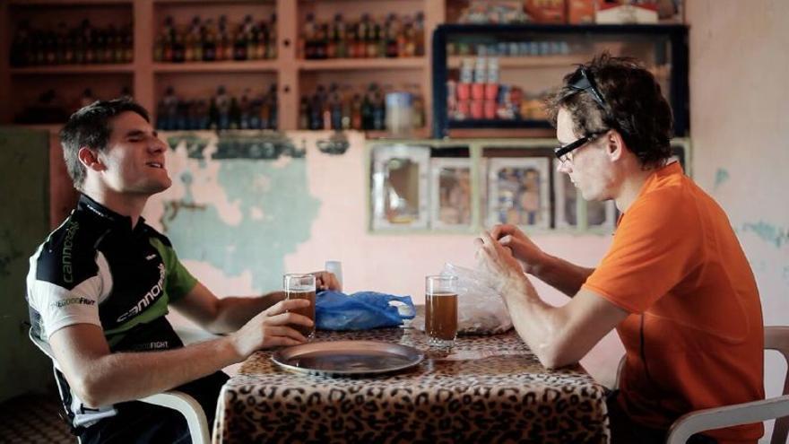 Los hermanos Sergio y Juan Manuel, protagonistas de la película-documental.