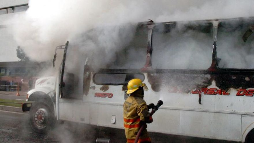 Tres muertos y 30 desaparecidos en incendio de residencia ancianos en Canadá