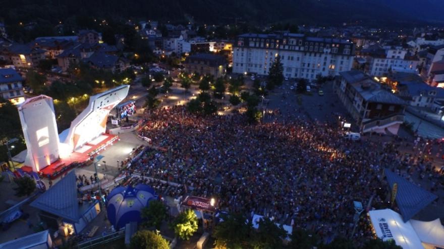Espectacular ambiente en el Campeonato de Europa de Escalada celebrado en Chamonix (© IFSC).