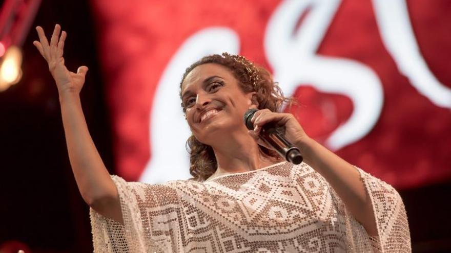 La cantante Israeli Noa en una actuación en 2016.