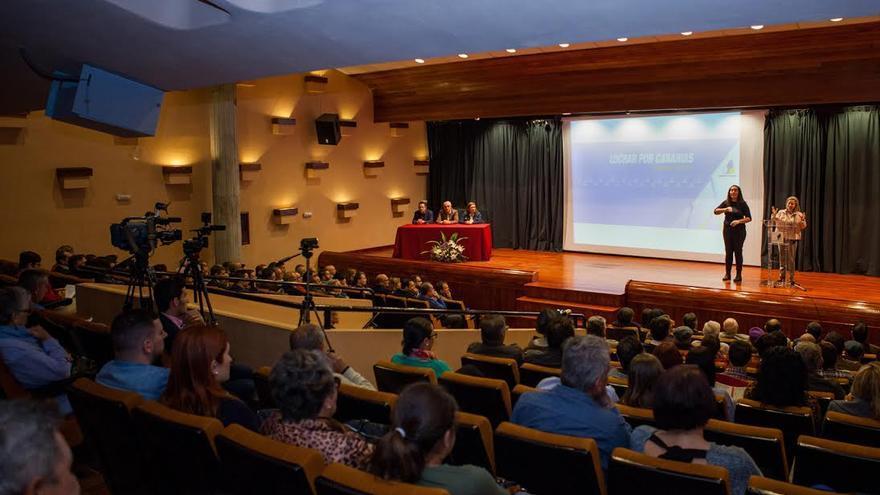 La presentación de candidatura de CC se celebró en la Casa de la Cultura de El Paso.