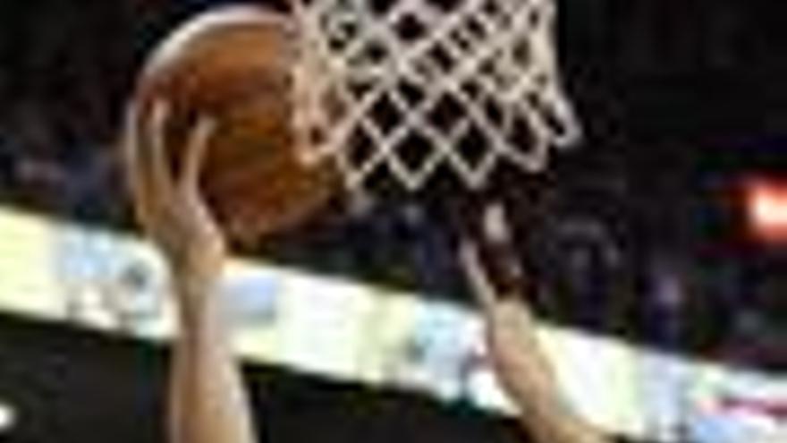 Dallas machaca en la NIBA a los Raptors de un buen Calderón