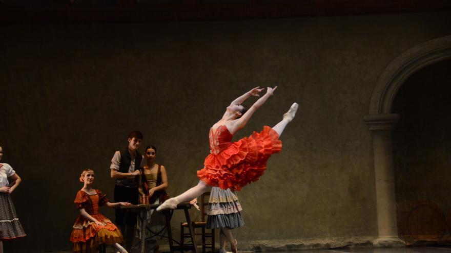 Compañía Nacional de Danza: Don Quijote Suite 2. Foto de Patricio Valverde
