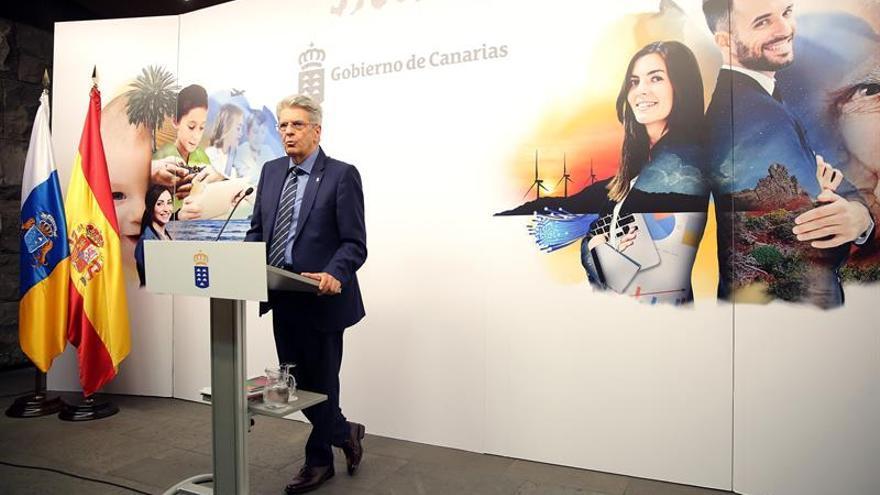 El portavoz del Gobierno canario, Julio Pérez, en la rueda de prensa posterior al Consejo de Gobierno