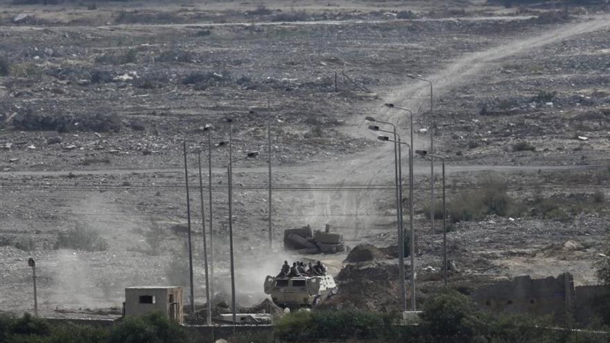 """26 muertos o heridos en ataque con """"coches bomba"""" contra tropas egipcias"""