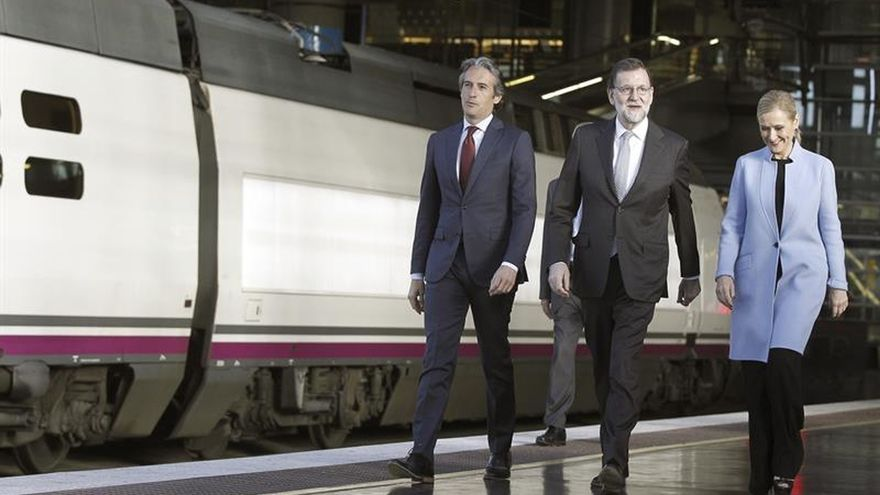 Rajoy anuncia una inversión de 500 millones para comprar quince trenes AVE