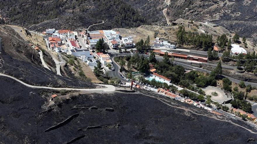 Vista aérea del incendio en la cumbre de Gran Canaria.