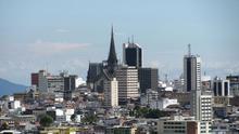 La ciudad más expuesta al desastre: terremotos, deslizamientos de tierra y un volcán en activo