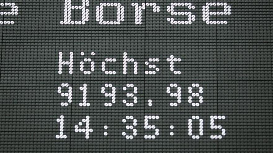 El DAX 30 sube en la apertura un 0,16 por ciento, hasta los 9.365,62