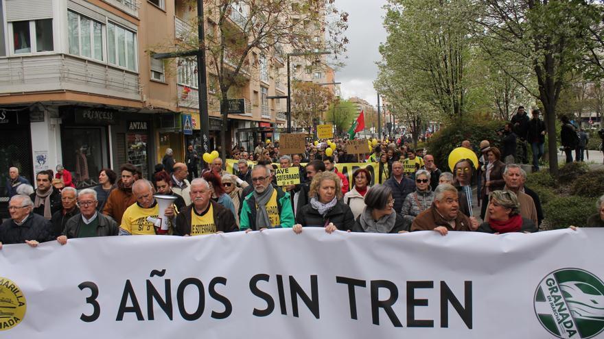 Manifestación por el tren en Granada