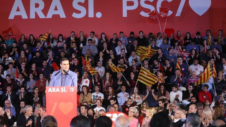 El presidente del Gobierno en funciones, Pedro Sánchez, durante el cierre de campaña en Barcelona